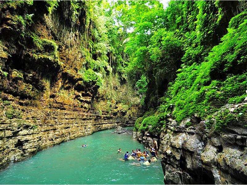 Destinasi Wisata Di Jawa Barat Yang Harus Anda Kunjungi